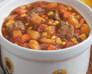 Comment faire cuire le ragoût de boeuf avec des légumes
