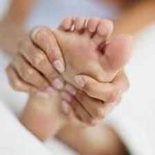 Pomóż sobie: jak leczyć poparzenia nogi?