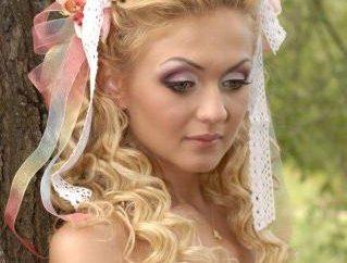 Oferta najbardziej korzystna i romantyczne fryzury z wstążek