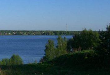 Visitez réservoir Mozhayskoe! Reste avec les tentes – un vrai conte de fées