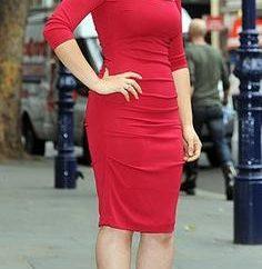 Chica de rojo – es peligroso: puede usar zapatos rojos con vestido rojo?