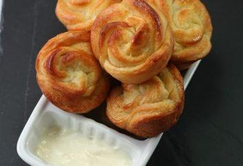 Buns-roses avec du fromage à la crème. recettes