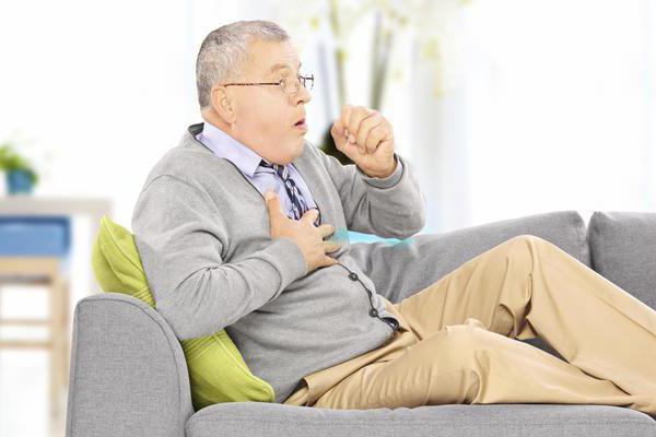 Rückenschmerzen beim Husten: mögliche Ursachen. Ärzte..