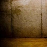 Wie wird man im Keller eines Einfamilienhauses oder Villa von Schimmel befreien