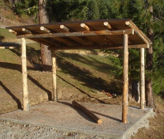 Costruire una doccia e una legnaia con le loro mani for Costruire un capannone