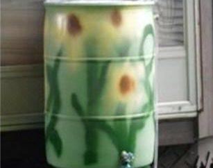 ¿Cómo pintar los barriles en la casa o en el jardín