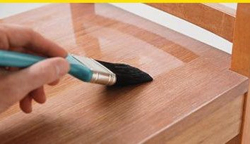 Barniz de poliuretano para madera de dos componentes trabajo al aire libre a base de agua