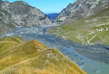 gorge Karmadon (Ossétie du Nord). Le rassemblement dans les gorges de Glacier Karmadon