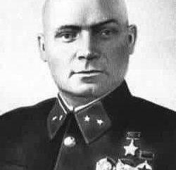 Lelyushenko Dmitri Danilovich: fotos, biografia, família