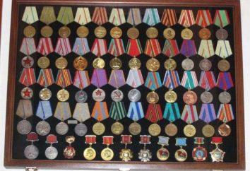 Da che parte sono medaglie e gli ordini?