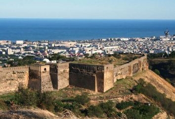 parede Derbent em Derbent: descrição com fotos