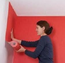 Cómo aplicar el papel tapiz de vinilo y paño grueso y suave