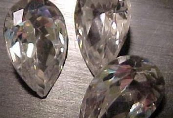 Lezioni astromineralogii pietra Cubic Zirconia, proprietà e applicazioni