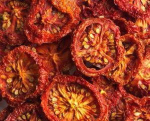Vous ne voulez pas apprendre comment faire cuire les tomates séchées à la maison?