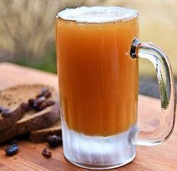 Birra fatta in casa senza lievito: una ricetta a base di pane di segale