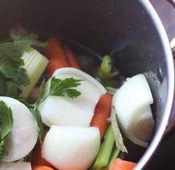 Comment faire cuire le bouillon de poulet? recettes simples