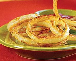 Pieczona cebula jako przystawka lub przekąska. Cebula smażone z jajkiem