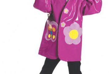Mantello dei bambini come una protezione affidabile del bambino in caso di pioggia