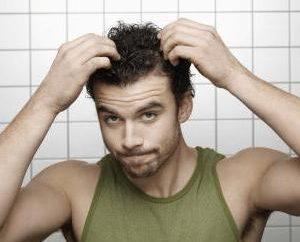 Nadmierne rogowacenie skóry głowy: Powoduje, leczenie