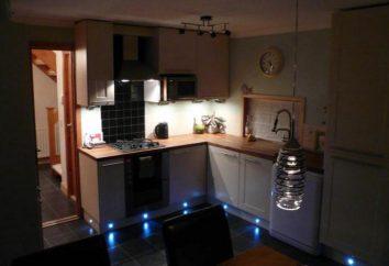 Hintergrundbeleuchtung für die LED-Schrank in der Küche mit den Händen