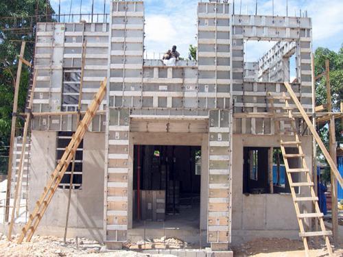 Construction d'une maison monolithique à plusieurs étages