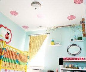 Decorare il soffitto nella camera dei bambini
