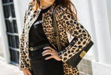 cappotto delle donne eleganti nello stile di Chanel