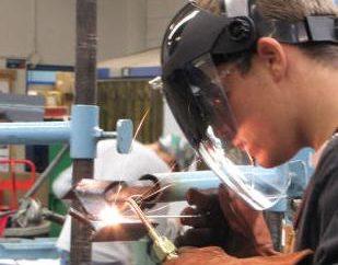 Głównym spawanie materiałów eksploatacyjnych – drut spawalniczy