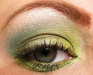 Emerald Makeover: yeux noisette soulignement