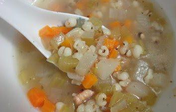 Jak gotować pyszną zupę z pereł na różne sposoby