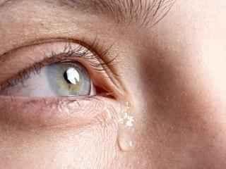Zastanawiam się, dlaczego ludzie płaczą?