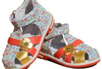 « Min » chaussures pour enfants. Sandales pour les garçons et les filles