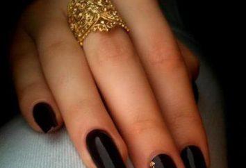noir manucure et de l'or. Nails dans les tons à la mode. Idées et caractéristiques