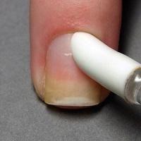 Come fare una bella manicure: guida passo per passo