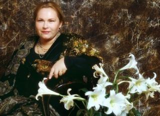 Nina Usatova – filmografia aktorki i rodzina