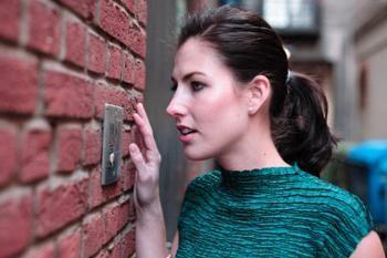 Comment ouvrir un téléphone de porte sans clé (Vizit et d'autres): des moyens professionnels et folkloriques