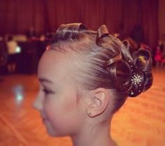 Klasyczne fryzury do tańca towarzyskiego