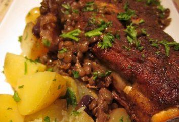 Côtes de porc à multivarka avec des pommes de terre et d'herbes aromatiques