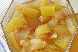 Kochen zu Hause: Österreichische Kompott von Äpfel und Kürbisse