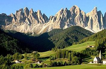 Ski Alpin: die Dolomiten. Italien, Dolomiten