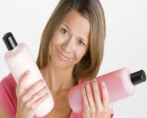 Shampoo per capelli colorati – il restauro e il colore di protezione