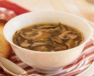 Come cucinare la zuppa di funghi con funghi bianchi: la ricetta per la ricetta