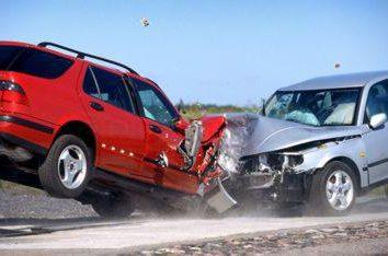 Incidente stradale. Cosa fare in caso di incidente. Dove chiamare, e quali documenti sono necessari in caso di incidente