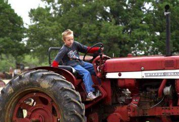 La certification du conducteur du tracteur. L'éducation sur le conducteur de tracteur