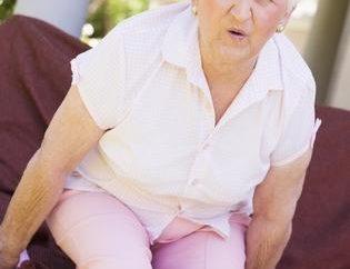 Déformant de l'arthrose du genou – une occasion de consulter immédiatement un médecin!