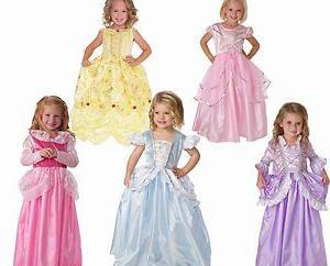Um vestido bonito para meninas: os principais critérios de selecção