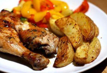 cuisse de poulet délicieux et copieux avec des pommes de terre au four