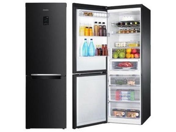 Bosch Kühlschrank Lautes Knacken : Warum öffnet und klickt auf den kühlschrank