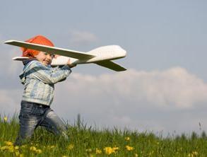 Toy-avião: a alegria das crianças e dos pais