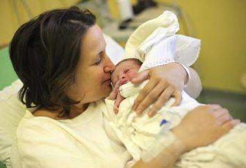 Les premiers jours de la vie d'un enfant. soins néonatals